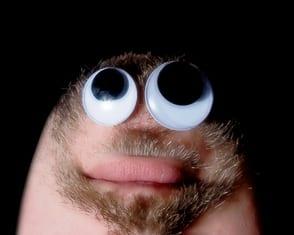 ראש הפוך עם עיניים