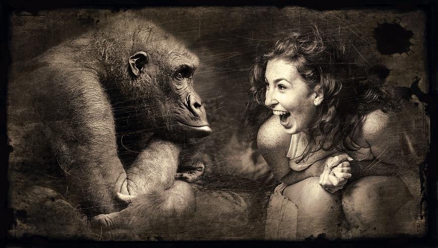 אשה וקוף