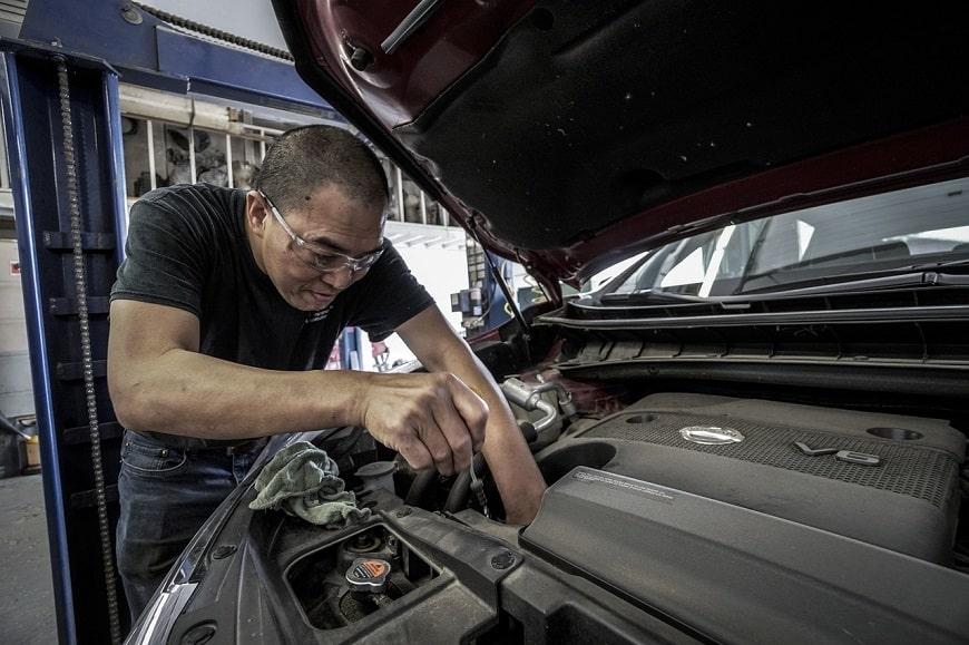 בעיות ופתרונן - תיקון של כלי רכב במוסך