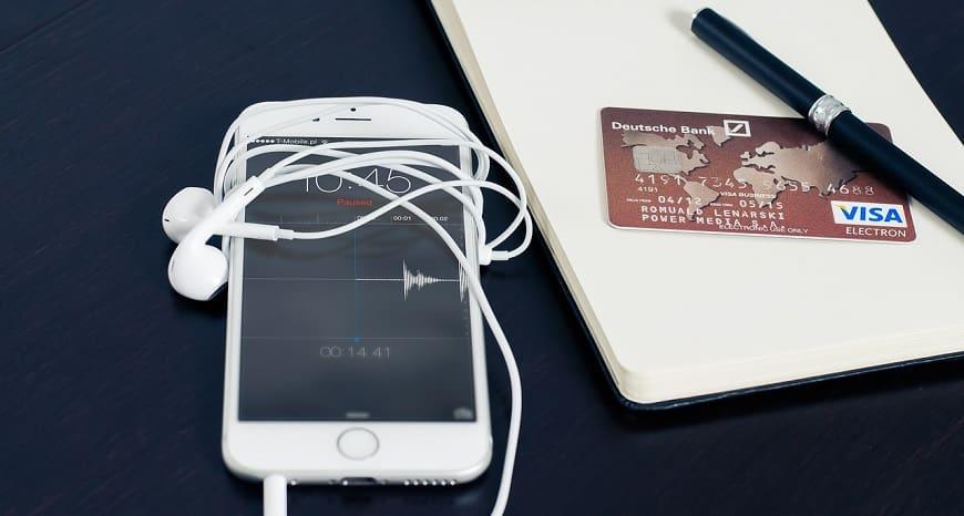כרטיס ויזה ליד אייפון