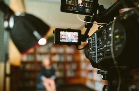 סרטונים וסרטי תדמית – האם כדאי להטמיע מיוטיוב או להעלות ישר לאתר?